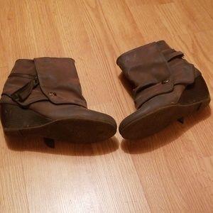 Shoes - 4/$10 Gray/ tan bootie heels